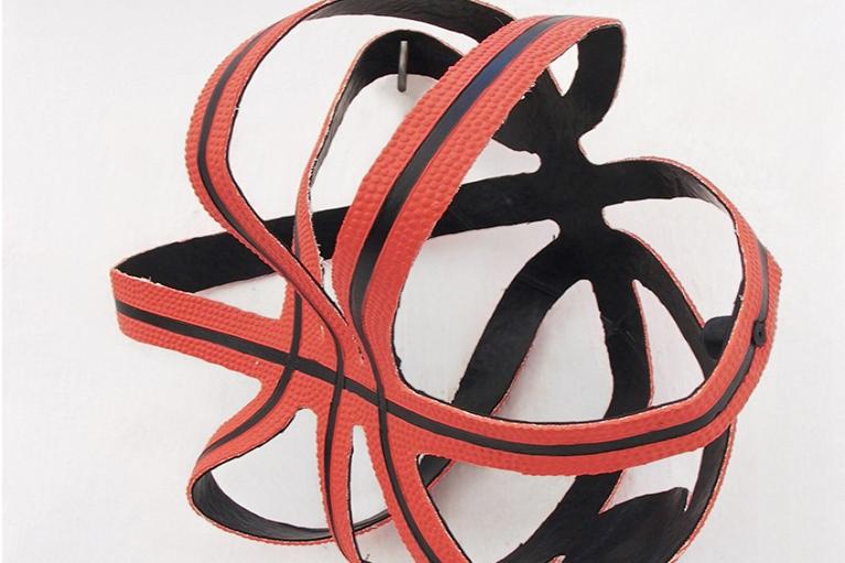 周文斗,篮球的骨架,2006,篮球,25 x 20 x 15 厘米