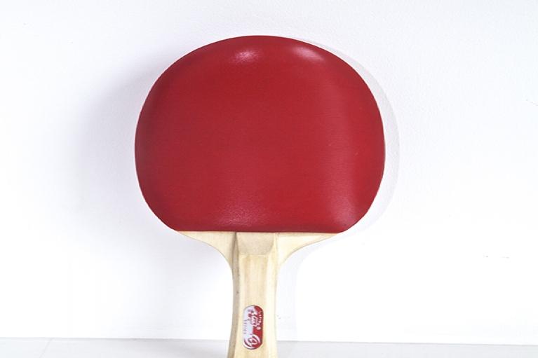 周文斗,乒乓球拍 No.1,2009,乒乓球棒,海绵,人造皮革,25 x 15 x 8厘米