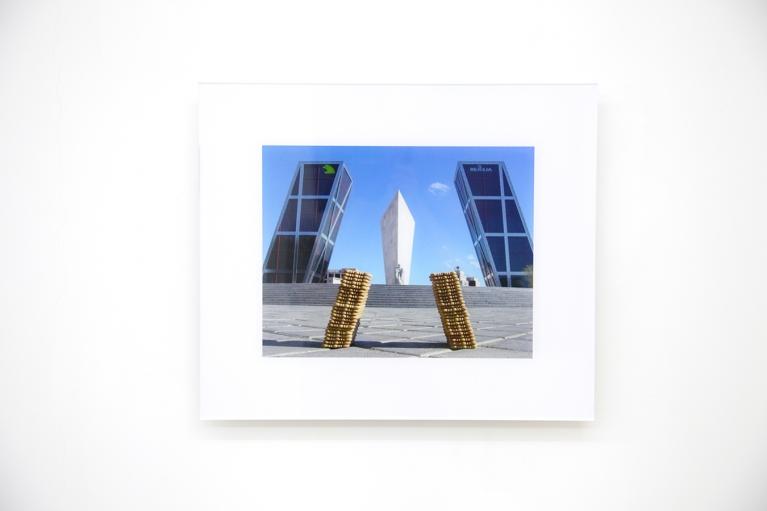 周文斗,倾斜15°,2004,喷绘打印,47.5 x 55 厘米