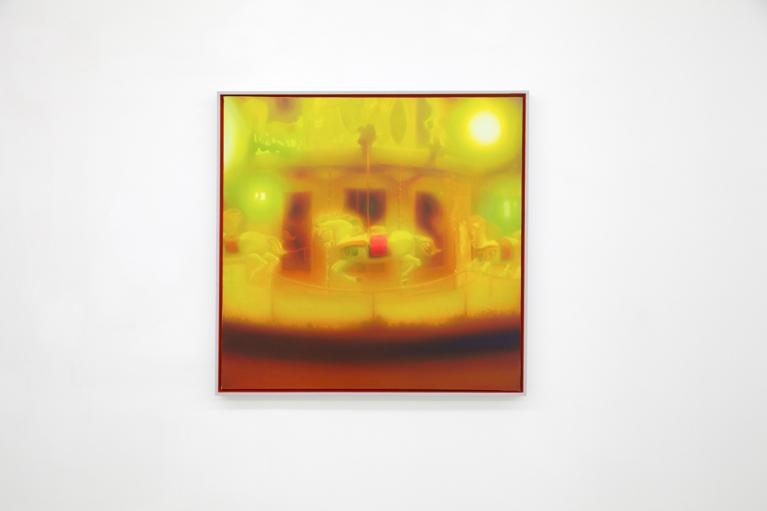 马思博, 旋转木马, 2011, 布料油画, 100 x 100厘米