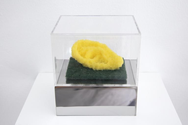周文斗, 海绵 - 耳朵, 2006, 海绵, 9 x 6 x 4.5厘米