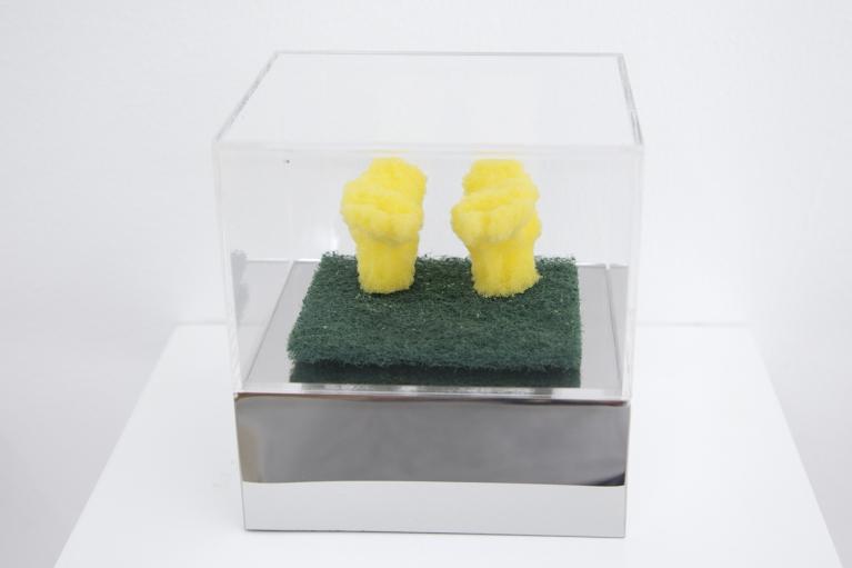 周文斗, 海绵 - 双脚, 2006, 海绵, 9 x 6 x 4.5厘米