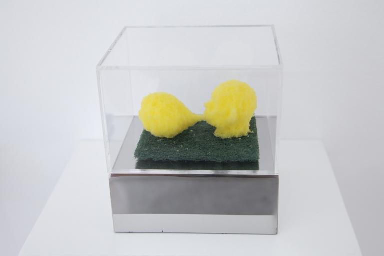 周文斗, 海绵 - 吹泡泡, 2006, 海绵, 9 x 6 x 4.5 厘米