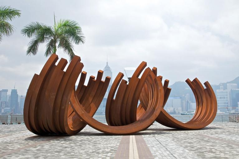 伯納爾·威尼斯, 219.5º 弧形 x 28, 2011, Corten 鋼, 400 (H) x 500 (D) 厘米