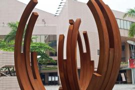Bernar Venet, Arcs in Disorder: 223º Arc x 10, 2008, Cor-ten steel, 410 x 415 x 90 cm