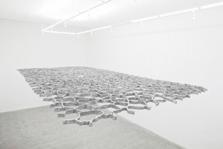 周文斗, 消失的边界, 2015, 玻璃钢, 金属漆, 920 x 460厘米