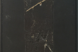 Antoni Tàpies, Brown on Black with Collage, 1972. 混合媒材和布料拼貼, 146.1 x 88.9 cm.