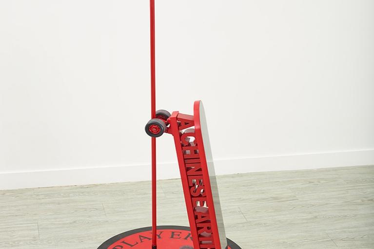 王欣,A Major Player,2016, 噴漆、金屬結構,160 x 80 厘米