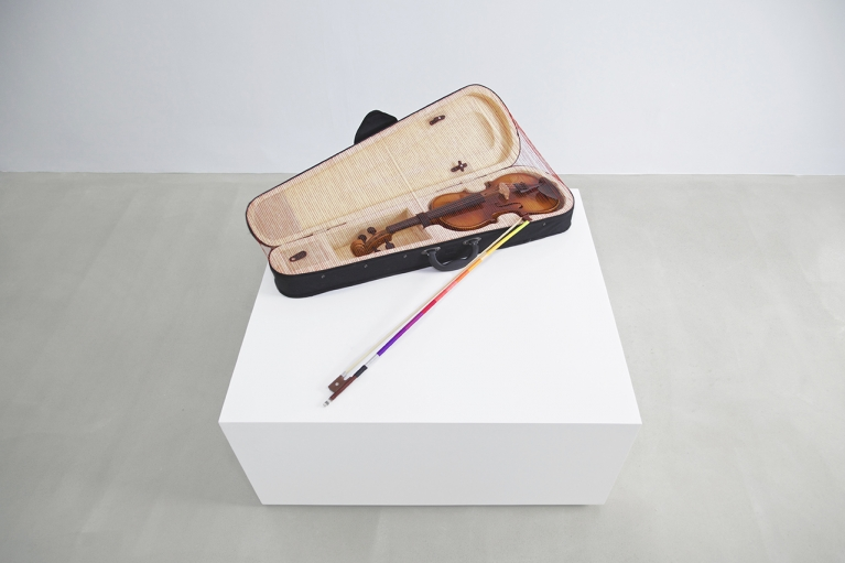Ling Jingjing, Everything is Going to be Fine, 2015, Violin, violin case, bow, thread, 24 x 78 x 46 cm