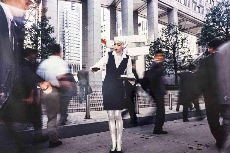 森萬里子, Tea ceremony, 1994, 富士超級光澤印刷, 木, 鋁, 鉛錫合金框架, 121.9 x 152.4 x 5.1 厘米