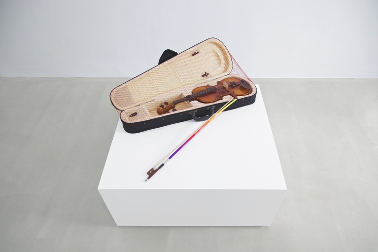 Lin Jingjing, Everything is Going to be Fine, 2015, Installation, Violin, violin case, bow, thread, 24 x 78 x 46 cm